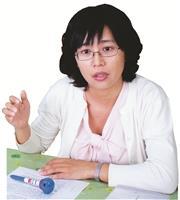 中文系助理教授 侯如綺