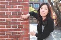 臺灣文創發展公司副總經理 康文玲玩轉藝文 用最美的人生風景 打造文創新視界