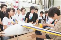南洋理工63人來訪 驚嘆機器人航太實驗