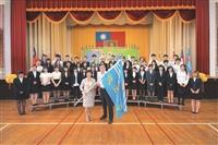 張校長授旗 大三逾500人海外研修