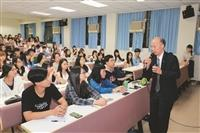 呂慶龍布袋戲推臺灣