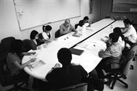 由哈金森教授及林奈老師帶領的工作坊(C),邀請將於7月前往美國參加2008年世界未來學年會的學生參加,讓學生預習工作坊的討論形式。(圖�黃士航)