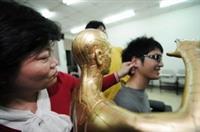 參加華陀社,可學習指壓穴位,改善體質。