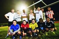 本校足球校隊成立近56年,近年由於外籍生增加,有來自於法國、德國、葡萄牙、所羅門、尼加拉瓜、薩爾瓦多、查德、哥斯大黎加等國的學生加入,組成號稱全台獨一無二的8國聯軍足球隊,來自8個國家的球員不拿武器,以腳上功夫,藉由「足球」來場國民外交!(文詳四版、攝影�王文彥)