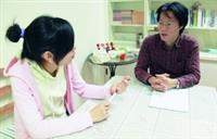 專業心理師李予澄詳細解答學生的職涯相關問題。(攝影�劉瀚之)