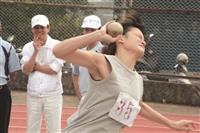 劉富嫣 刷新全校鉛球紀錄