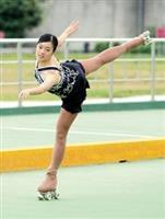 李婉寧以曼妙輕盈的花式技巧,在第11屆亞洲溜冰錦標賽中拿下女子花式基本型金牌。