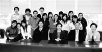 張校長一行與本校就讀沙加緬度州立大學同學合照。