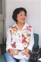 企管系副教授黃曼琴 關心學生的學習 課堂遊戲助專心