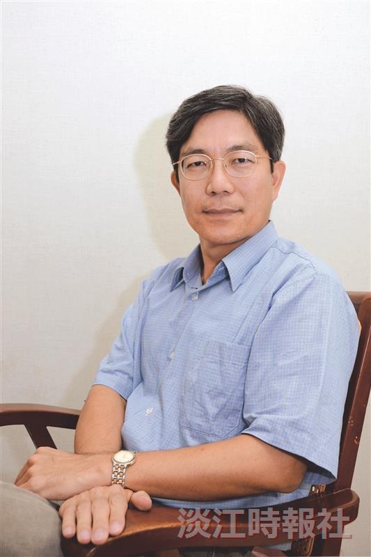 鄭東文自謙為「平凡的老師」,將帶領人資處走向「不平凡」的舞台。(攝影/羅廣群)