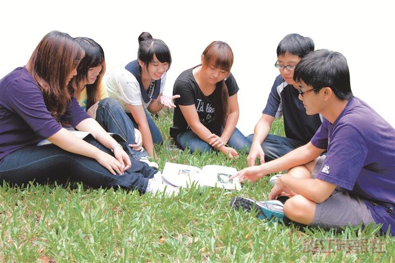 進步獎增團體自我預期刺激學習