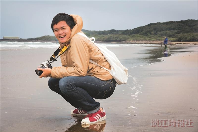 話題人物>大傳三林俊耀 世紀顯影-第八屆數位島嶼攝影比賽優選 用相機紀錄海灣 以行動支持運動