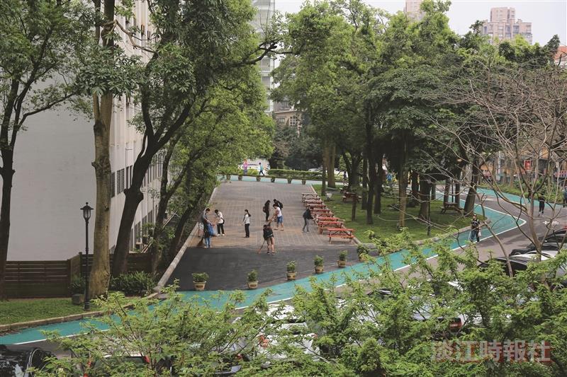 商管北側實施行人徒步區