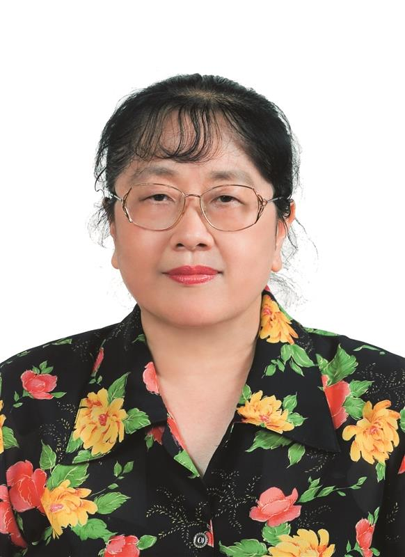 104學年度新任二級主管--教育政策與領導研究所所長楊瑩