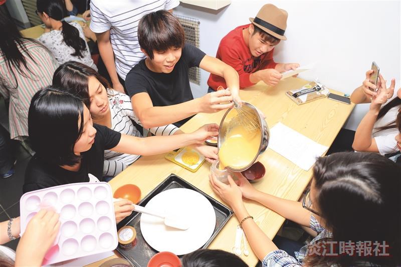 烹飪社創意做蛋糕