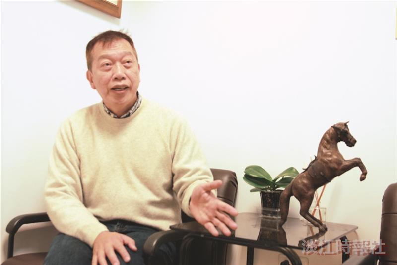 法文系教授吳錫德獲法國教育榮譽騎士勳位