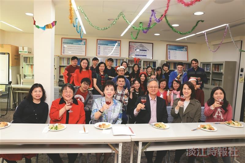 教育政策與領導研究所 歡慶耶誕