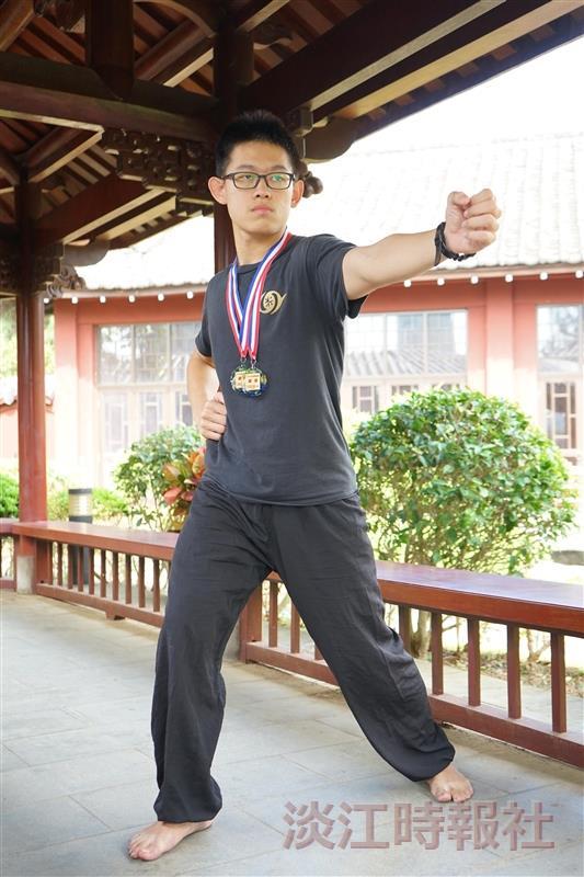 校園話題人物:武術八極拳雙料銅牌、德文四邱子豪