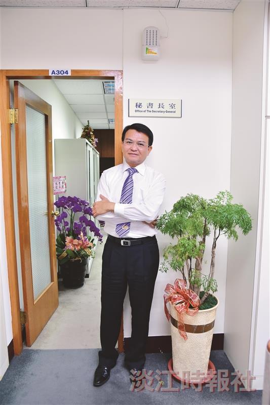 秘書長何啟東 盼催動行政團隊影響力