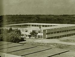 民國50年代,現今的書卷廣場最早為工學部教室。
