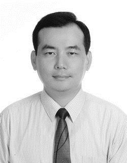 經營決策學系系主任 廖述賢