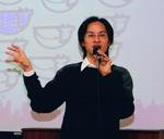 愛情公寓副執行長林志銘12日蒞校演講「社群網站經營與網路行銷傳播」。(攝影�嘉翔)