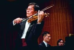 蘇顯達    日蒞校表演小提琴獨奏,精采的表演讓聽眾大呼過癮。(攝影�陳怡菁)