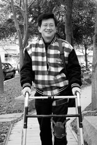 罹患罕見脊椎血管神經病變疾病生命鬥士陳家宏 樂觀面對上帝開的大玩笑