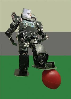 (左圖:人形機器人�涂嘉翔攝)