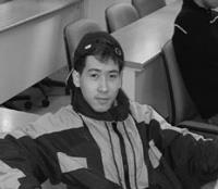 官文欽 我在這裡學中文一年多了,現在我可以看懂中文報紙,這裡的老師都很親切,學習起來沒有壓力。