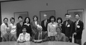 ▲參訪曾獲2001年美國Malcolm Baldrige國家品質獎的Univer-sity of Wisconsin-Stout,受到校長Dr. Sorensen的熱烈接待與歡迎。