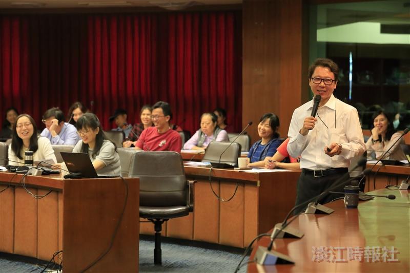 行政人員班課程「如何規劃退休金」,邀請阮慕驊分享
