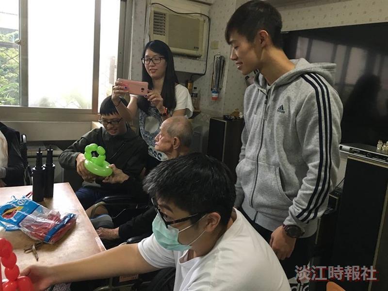氣球社到老人院志工服務