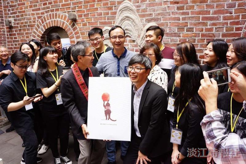 外語學院介接創業團隊LinQ咖啡在迪化街