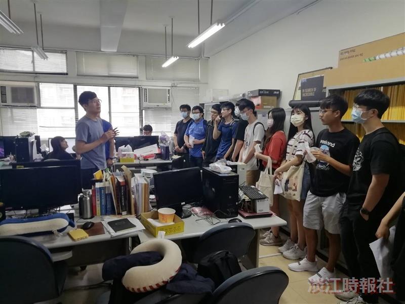 化材系舉辦線上化材週,參觀老師實驗室