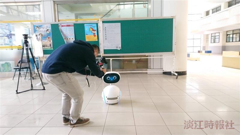 淡大工學院防疫添能量 資工「TKU Thermo」APP量體溫 航太無人機助宣導