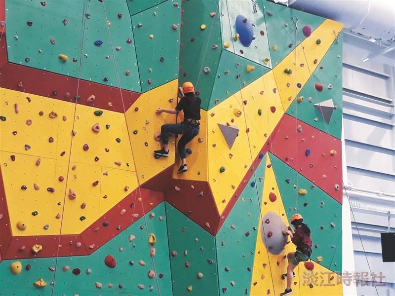 蘭陽校園自我挑戰攀岩樂趣