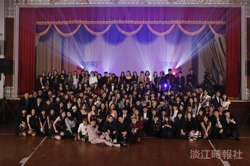 西語系和外交系舉辦聯合舞會