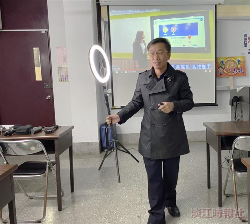 文學院邀請鄭哲斌演講我也可以變網紅