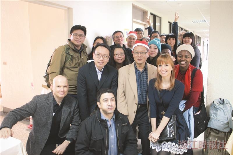 國際學院耶誕餐會