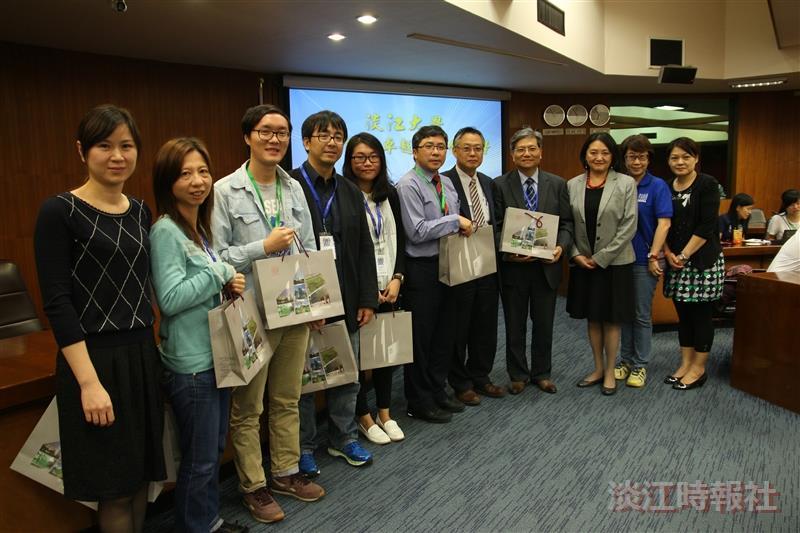 香港崇真學校參訪