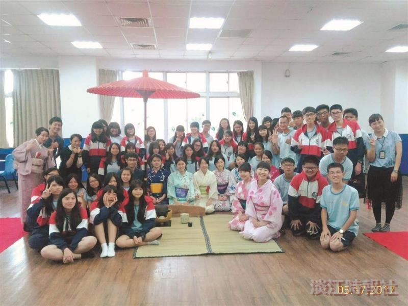 一期一會!本校師生帶六和高中生體驗日本茶道